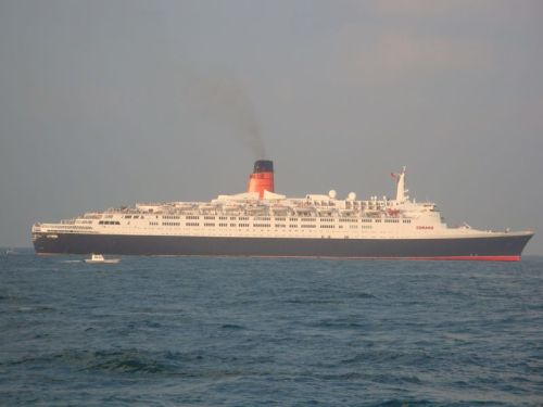QE2 taking a sun bath