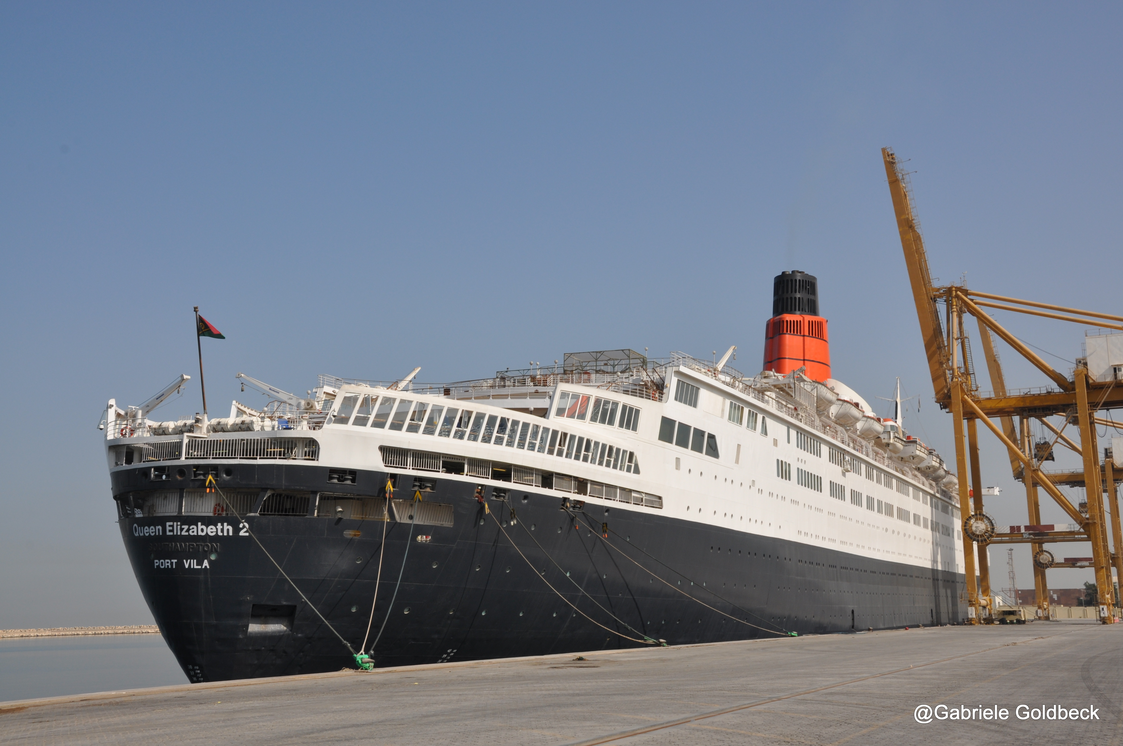 St Anniversary Of QEs Arrival In Dubai A Reunion With The - Qe2 cruise ship