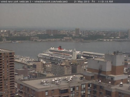 QM2-Manhattan-20100521-wirednetwork